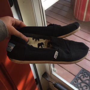 Women's Black Toms